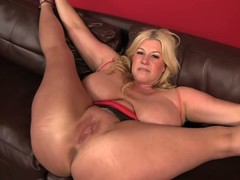 Bog breasted BBW golden-haired Zoey Andrews acquires her slit and arsehole licked after that babe widens her arms wide on put emphasize sofa. Fellow bonks her immoral slit balls impenetrable depths after a-hole licking.