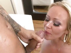 Austin Taylor acquires her complexion plastered with sexy cum