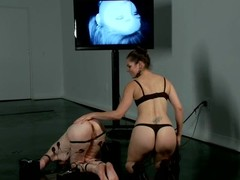 Redhead Calico acquires wired and fisted at the end of one's tether Bobbi Starr